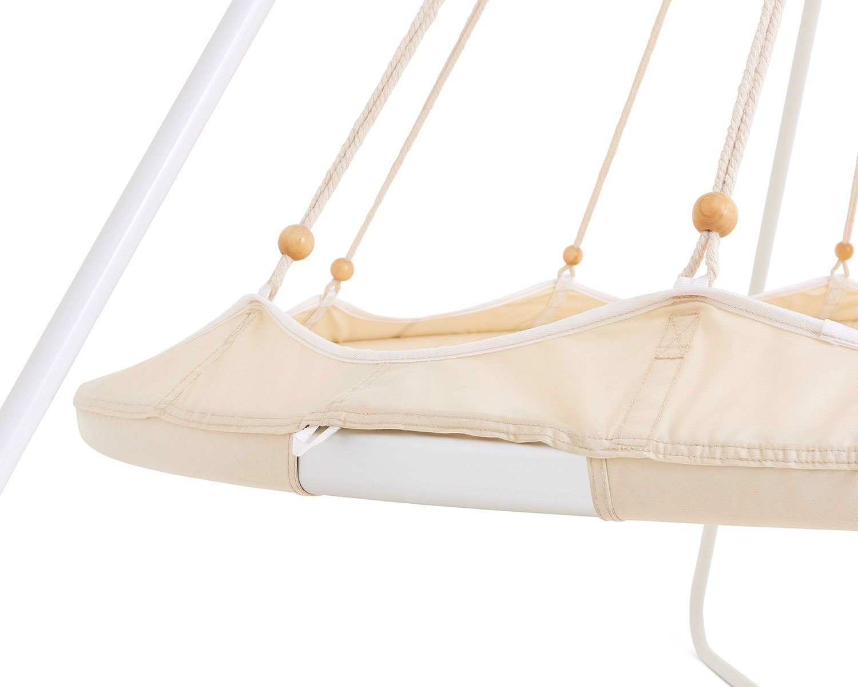 Detaljbild på TiiPii hänggunga med stativ i vitt.