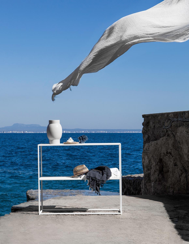 Konsolbord från Domo Design i vitt.