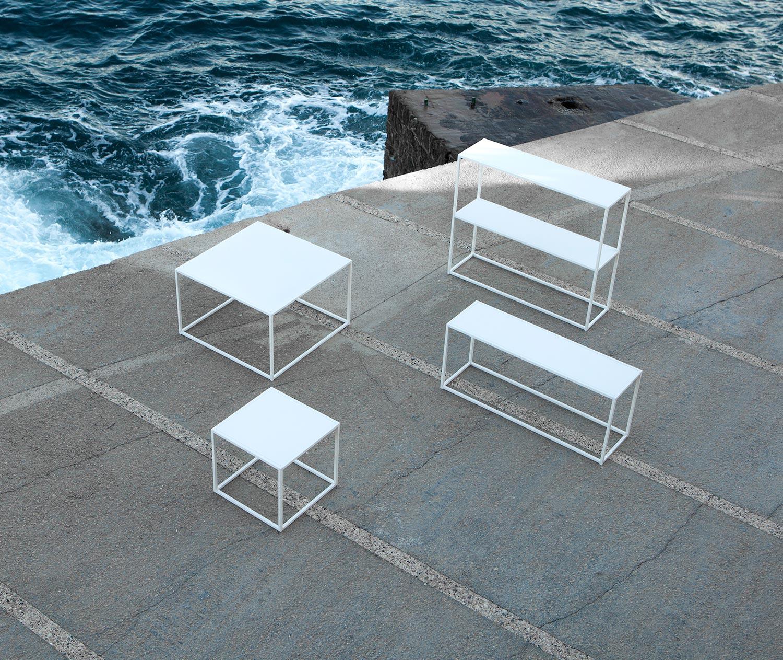 Domo Outdoor produkter i vitt från Domo Design.