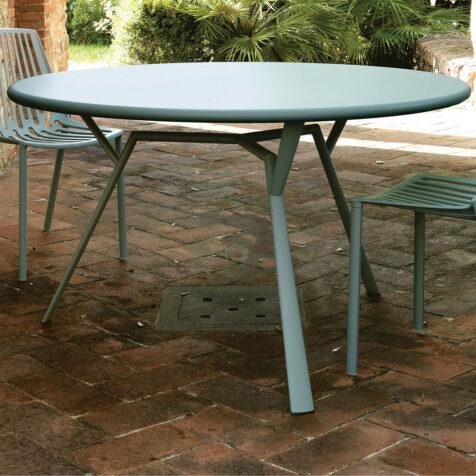Radice Quadra bord i storleken 130 cm.