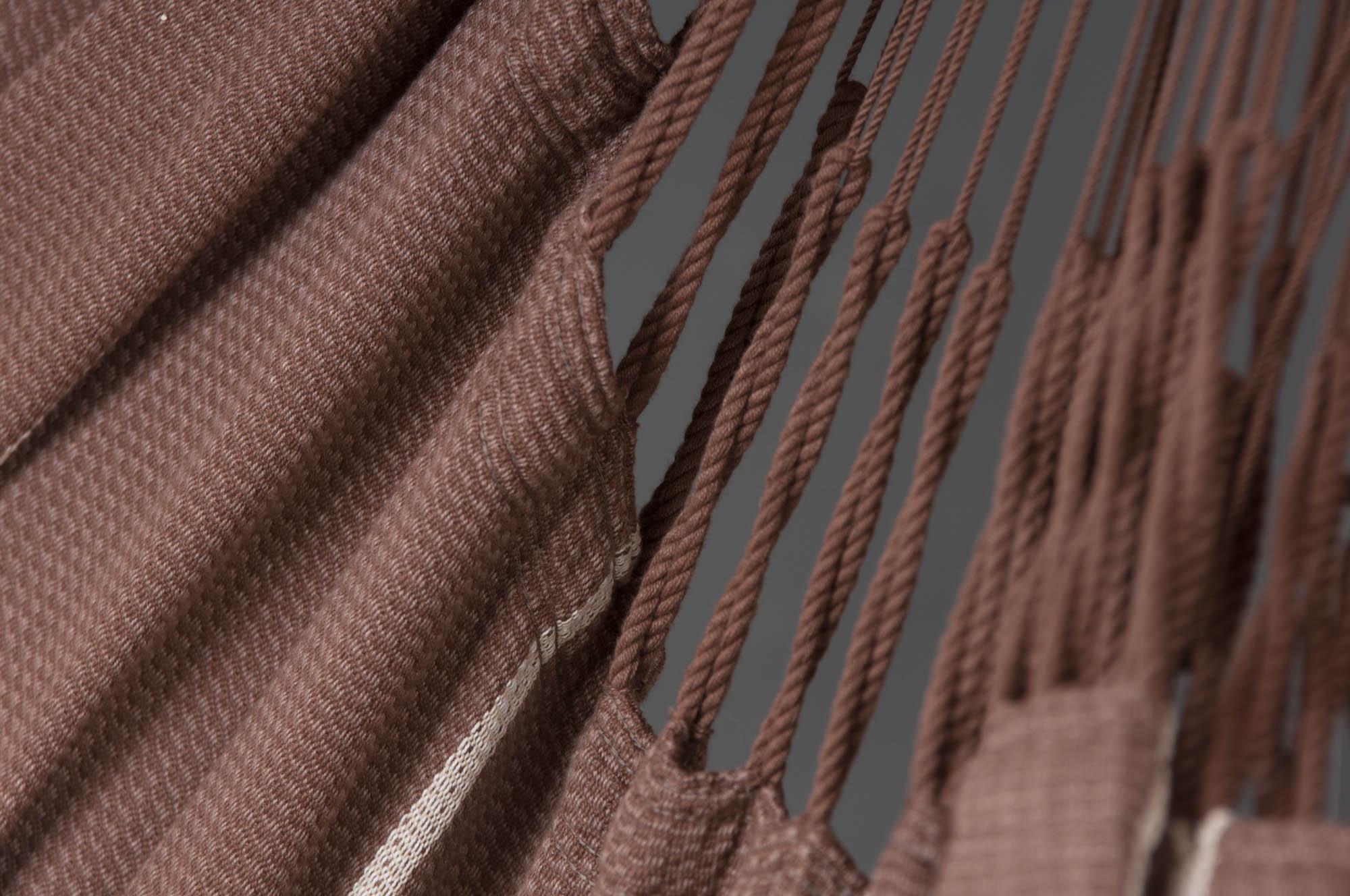 Detaljbild på Habana hänggunga chocolate från La Siesta.