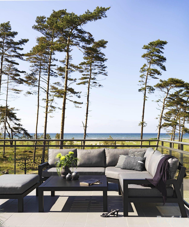 Miljöbild på STettler loungegrupp i svart från Brafab.