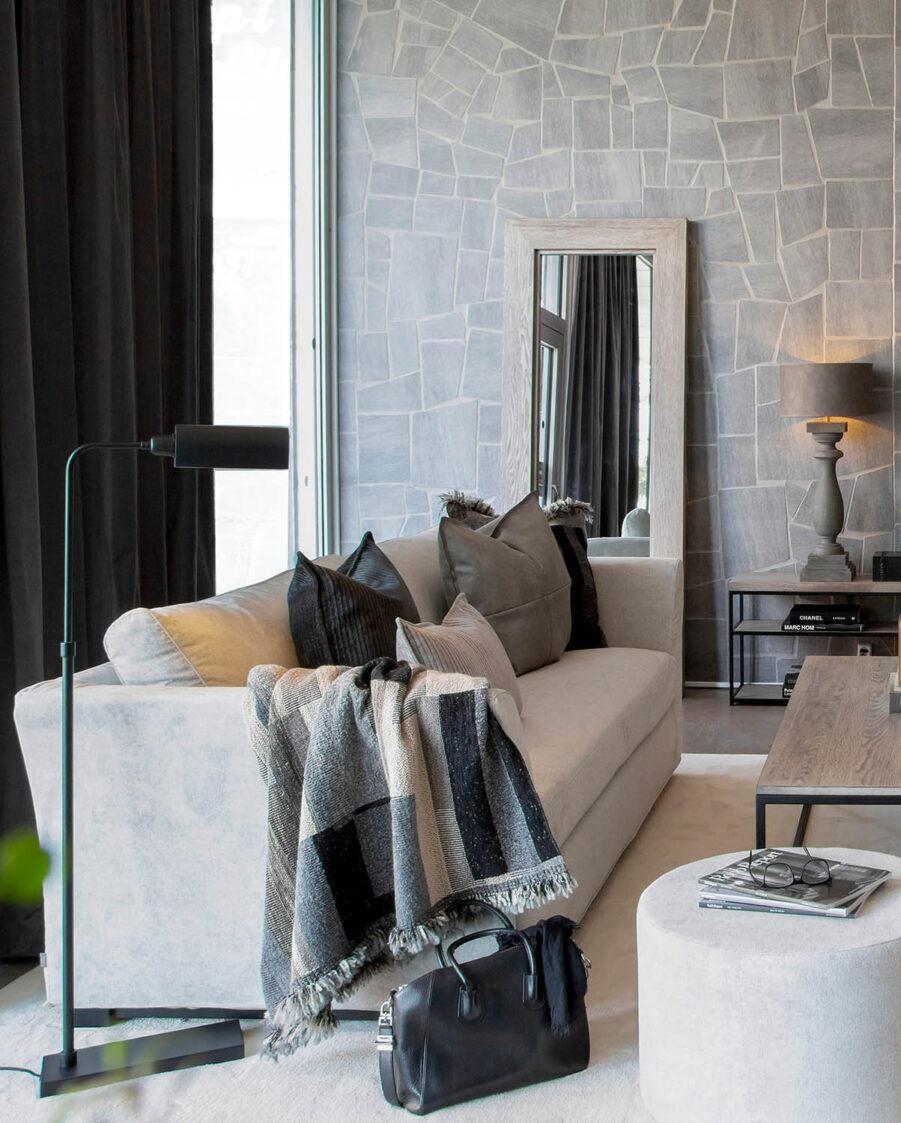 Miljöbild stafford soffa, la rochelle pläd från artwood
