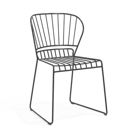 Resö stol från Skargaarden i mörkgrått.