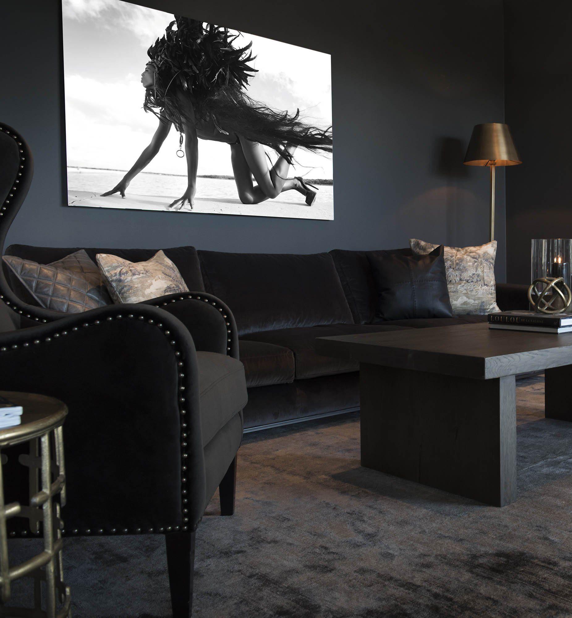 Miljöbild på Micha fåtölj, Senna soffa och bordet Plint från Artwood.
