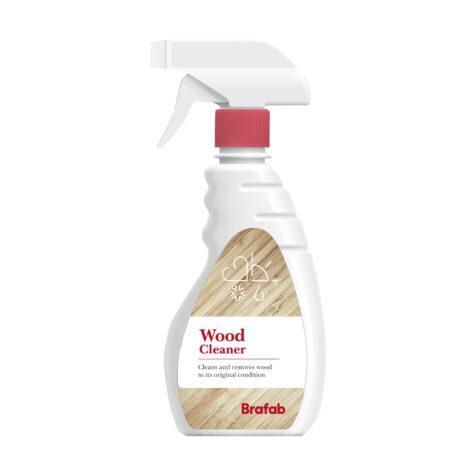 Wood cleaner trärengöring från Brafab på sprayflaska.