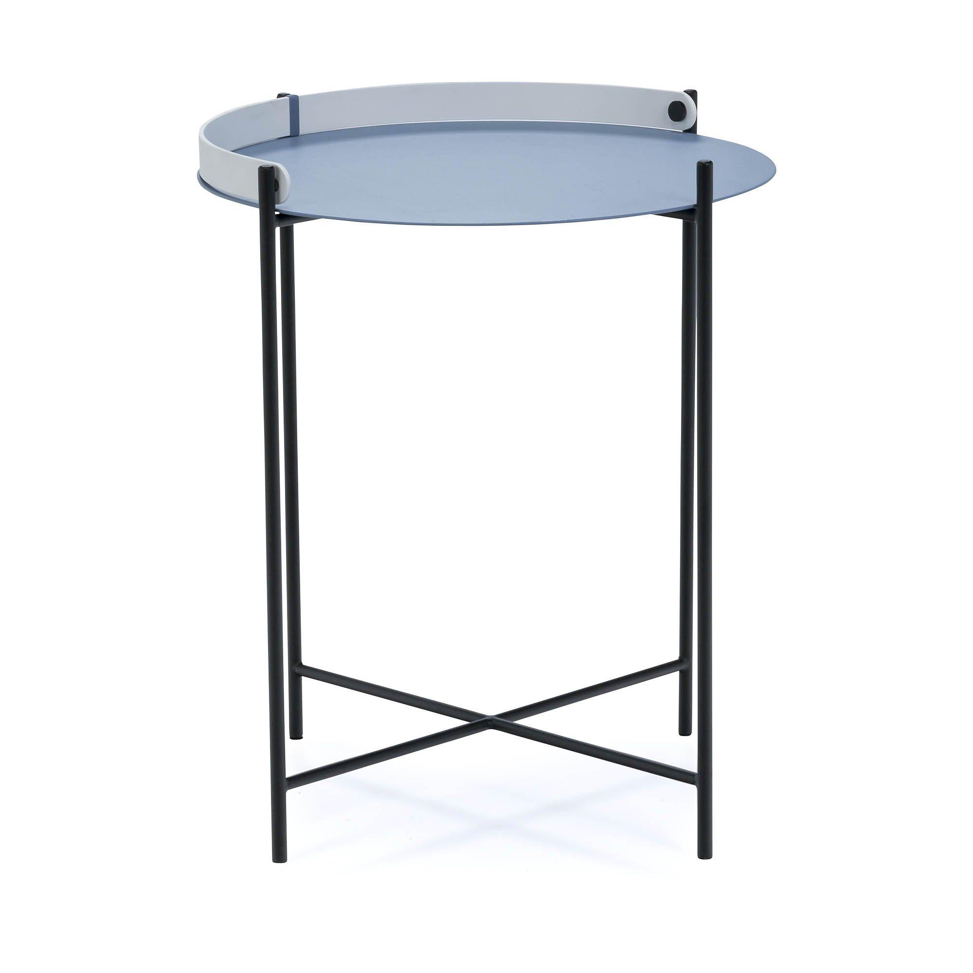 Edge sidobord Ø 46 cm i duvblått med svarta ben och vitt handtag.