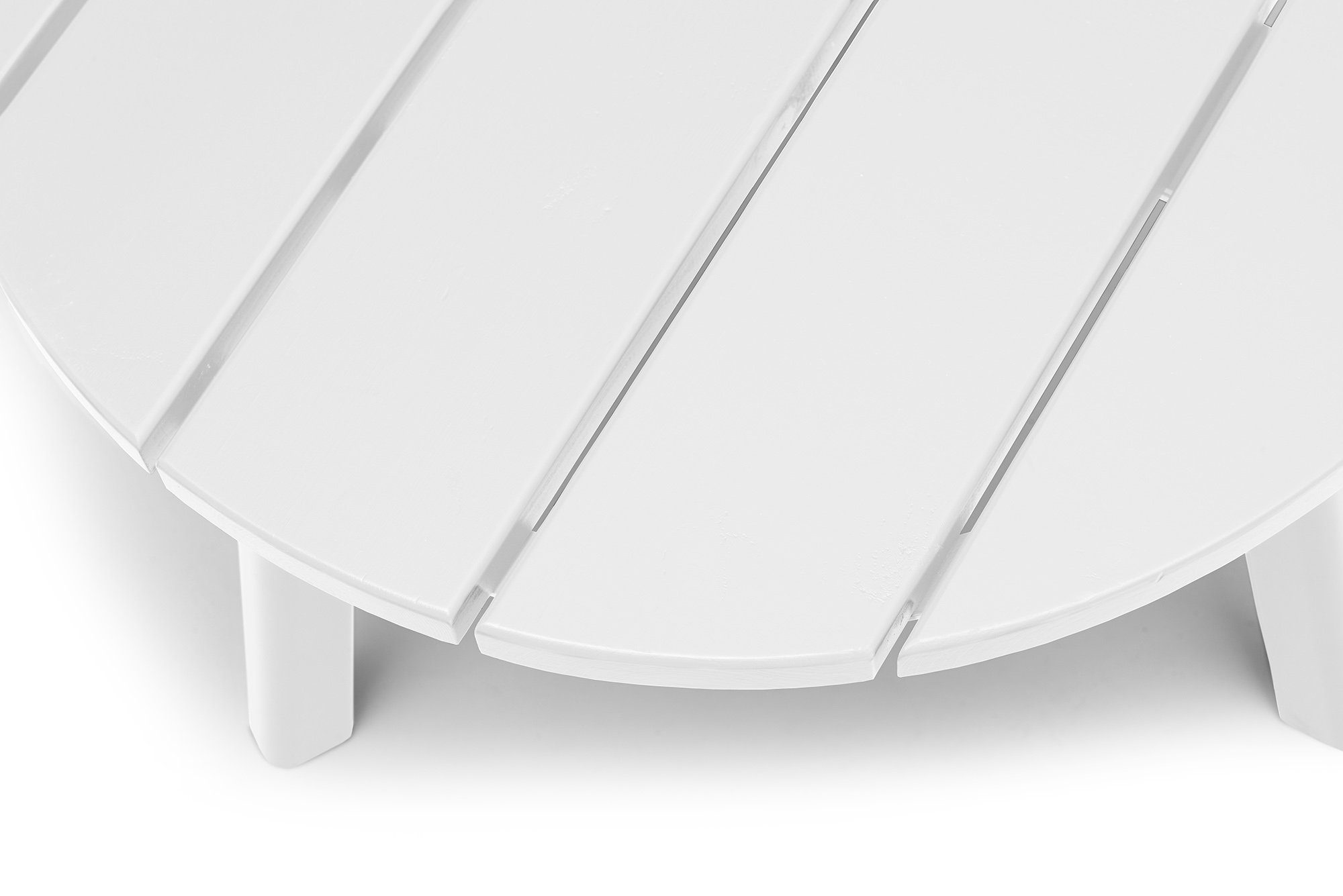 Detaljbild på Tennesse sidobord i vit laserad furu.