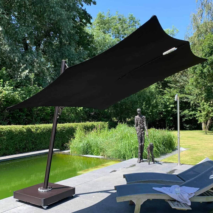 Spectra parasoll i svart.