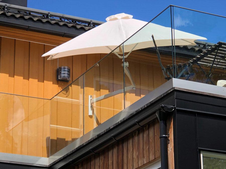 Paraflex vägghängt parasoll från Umbrosa.