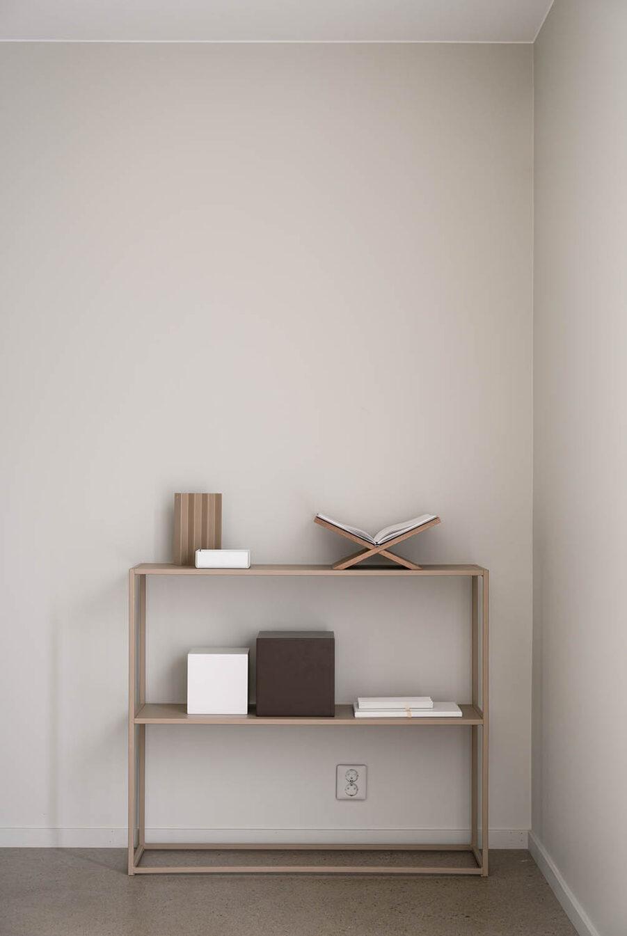 Sideboard i beige från Design of.