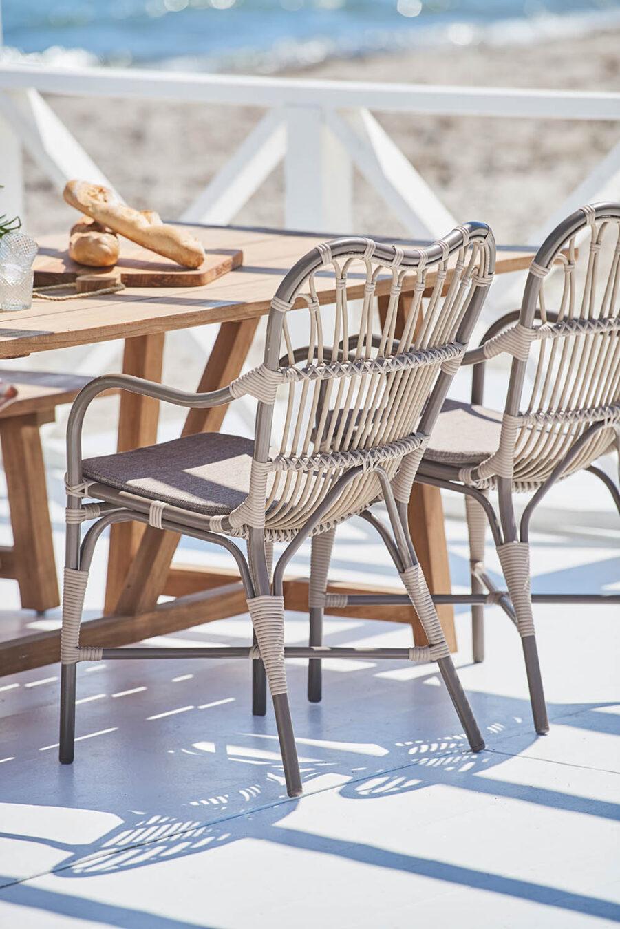 Miljöbild på Margret stol från Sika-Design i färgen Moccachino.