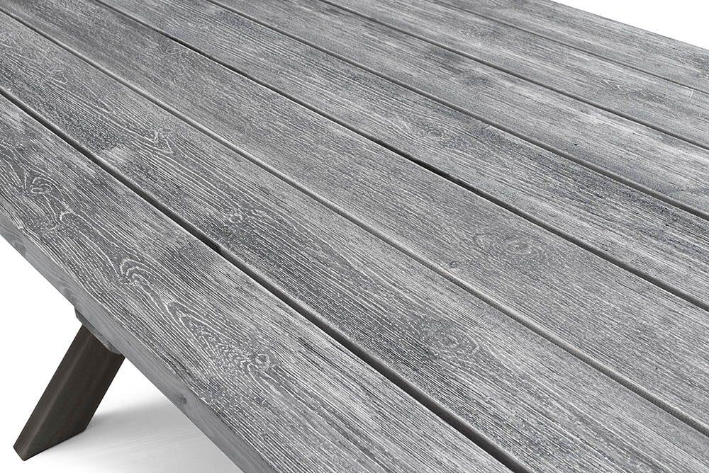 Detaljbild av Shabby chic bordets gfråa bordsskiva.