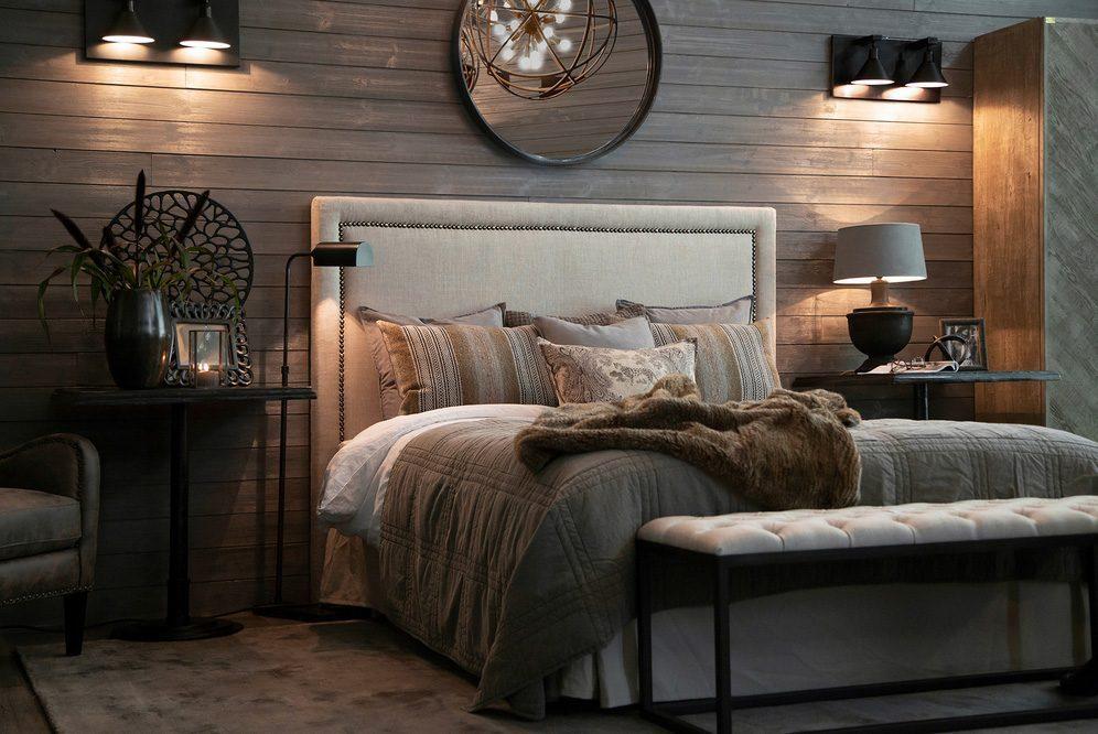 Miljöbild av Säng med sänggaveln Paris och borden Dante från Artwood.