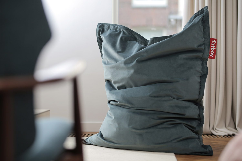 Miljöbild på Fatboy Slim saccosäck i färgen Petrol.