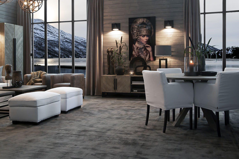 Artwood miljöbild med bland annat Boston karmstol, Tree matbord och Midtwon fotpall i vitt.