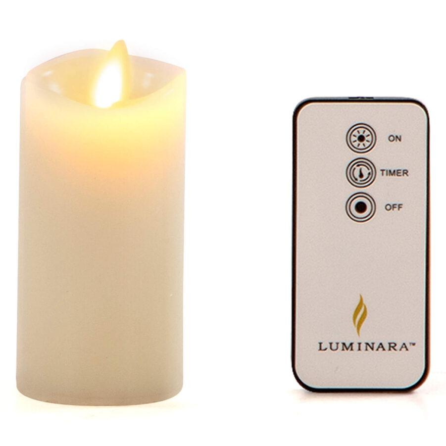 Luminara ljus i storleken 10 cm tänt.