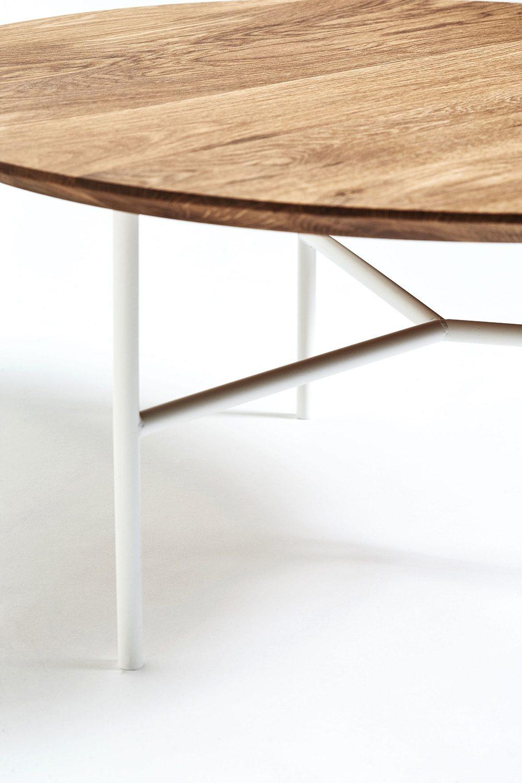Tribeca soffbord med vitt stativ från Mavis.