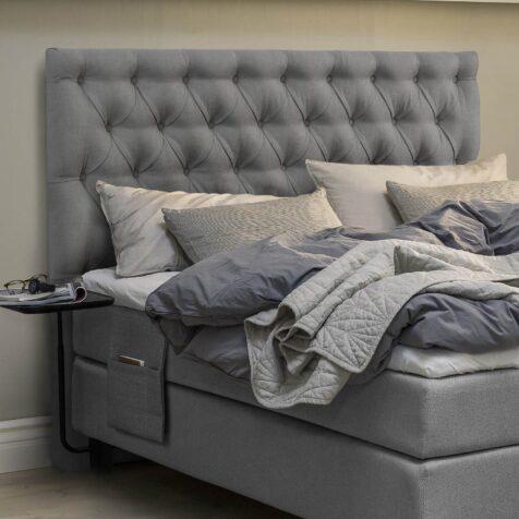 Diva knappad sänggavel från Jensen.