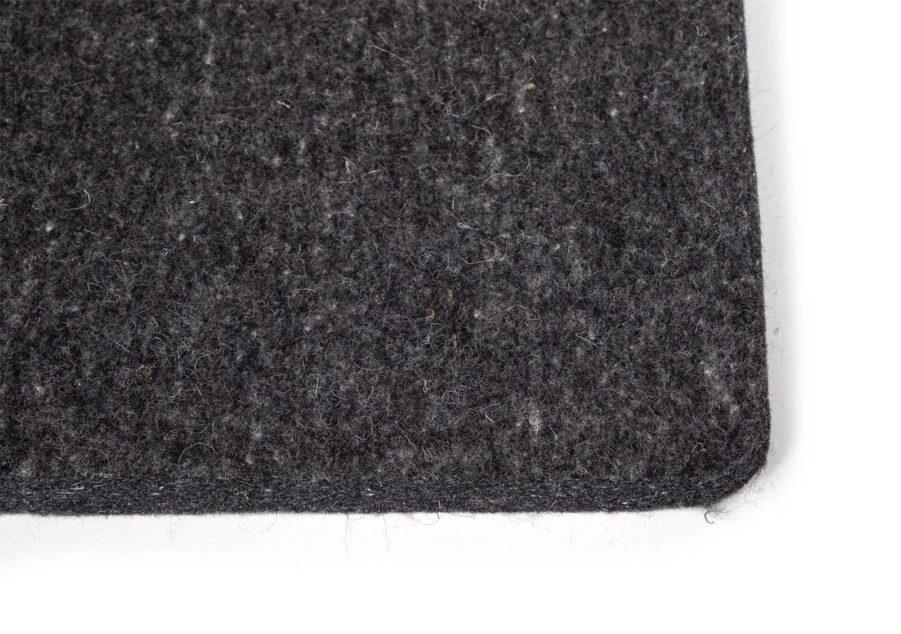 Woolsquare s dyna i färgen grafit.