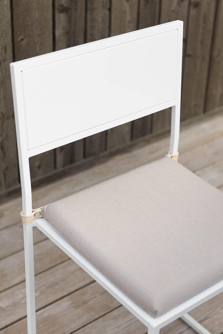 Design Of sittdyna i beige.