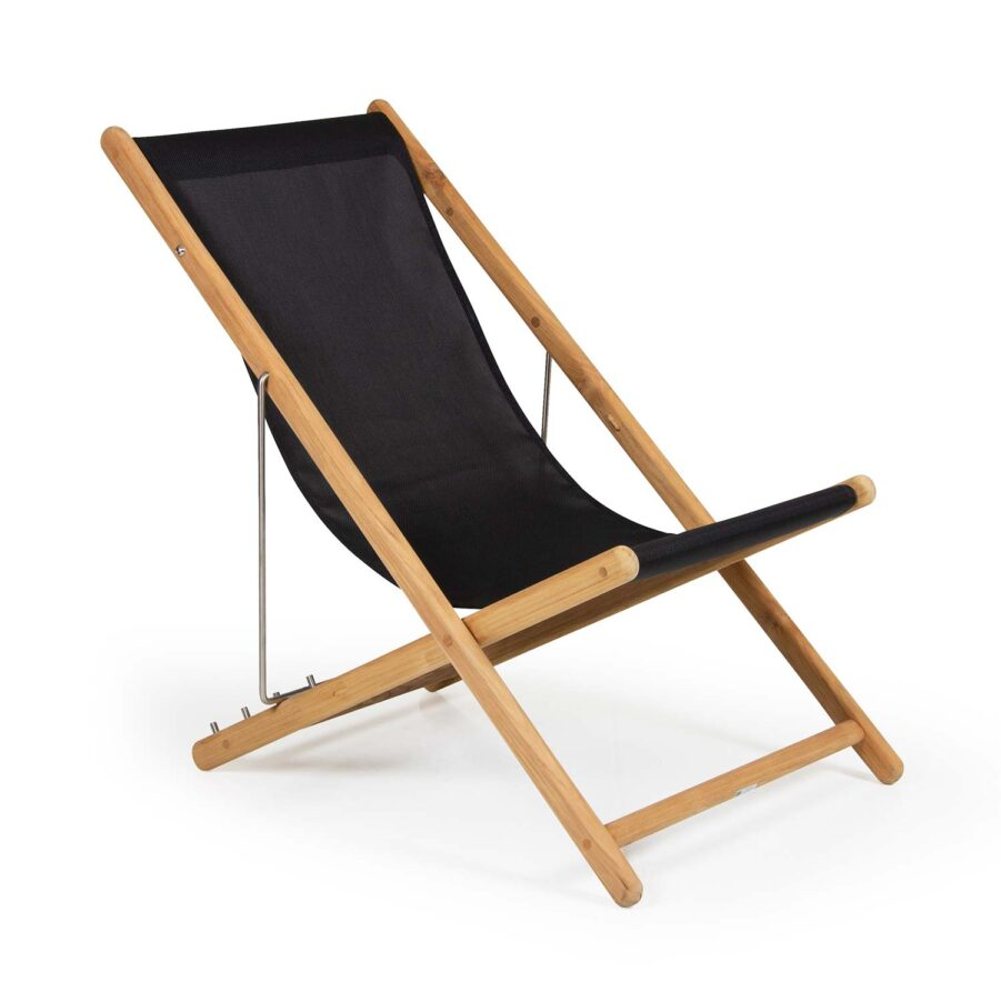 Sindos strandstol i svart textilene och teak.