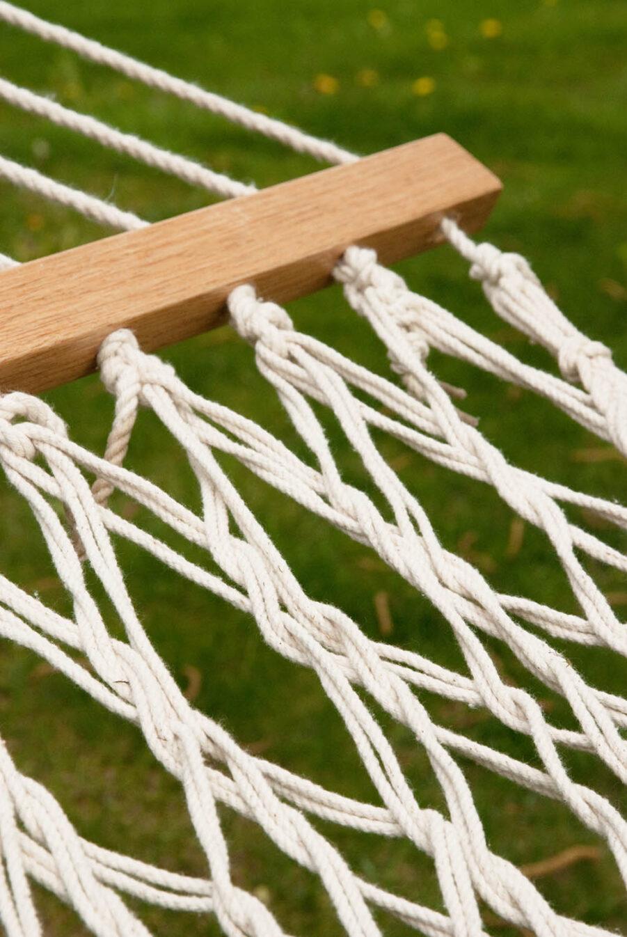 Detaljbild på Virginia Ecru hängmatta från La siesta.