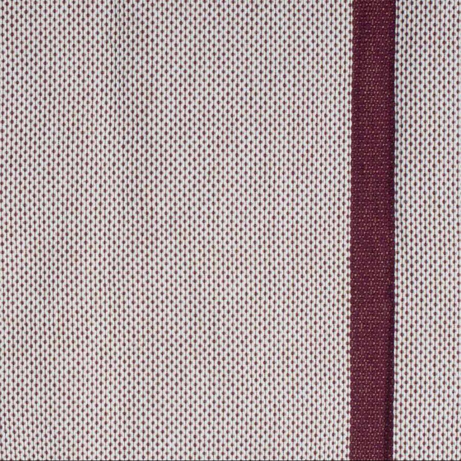 Färgprov på tyget i hängmattan Bossanova Bordeaux från La Siesta.