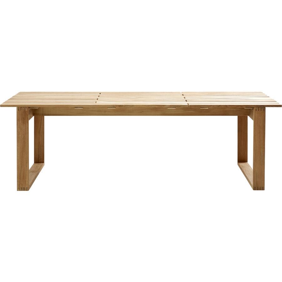 Endless 240 cm långt matbord i teak för utomhusbruk.