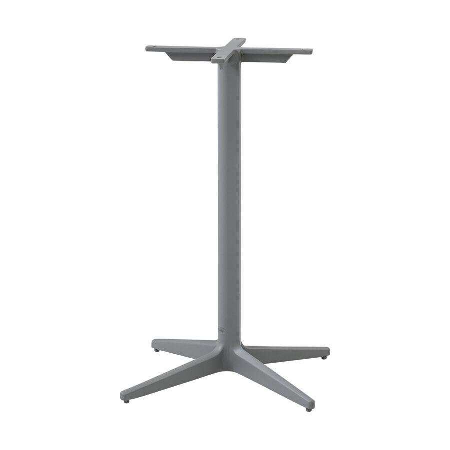 Drop cafébords-underrede i ljusgrå pulverlackad aluminium.