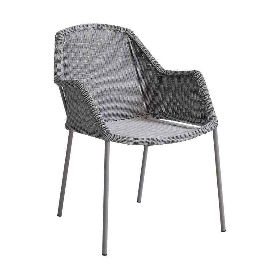 Cane-Line BReeze stapelbar stol i ljusgrå konstrotting.