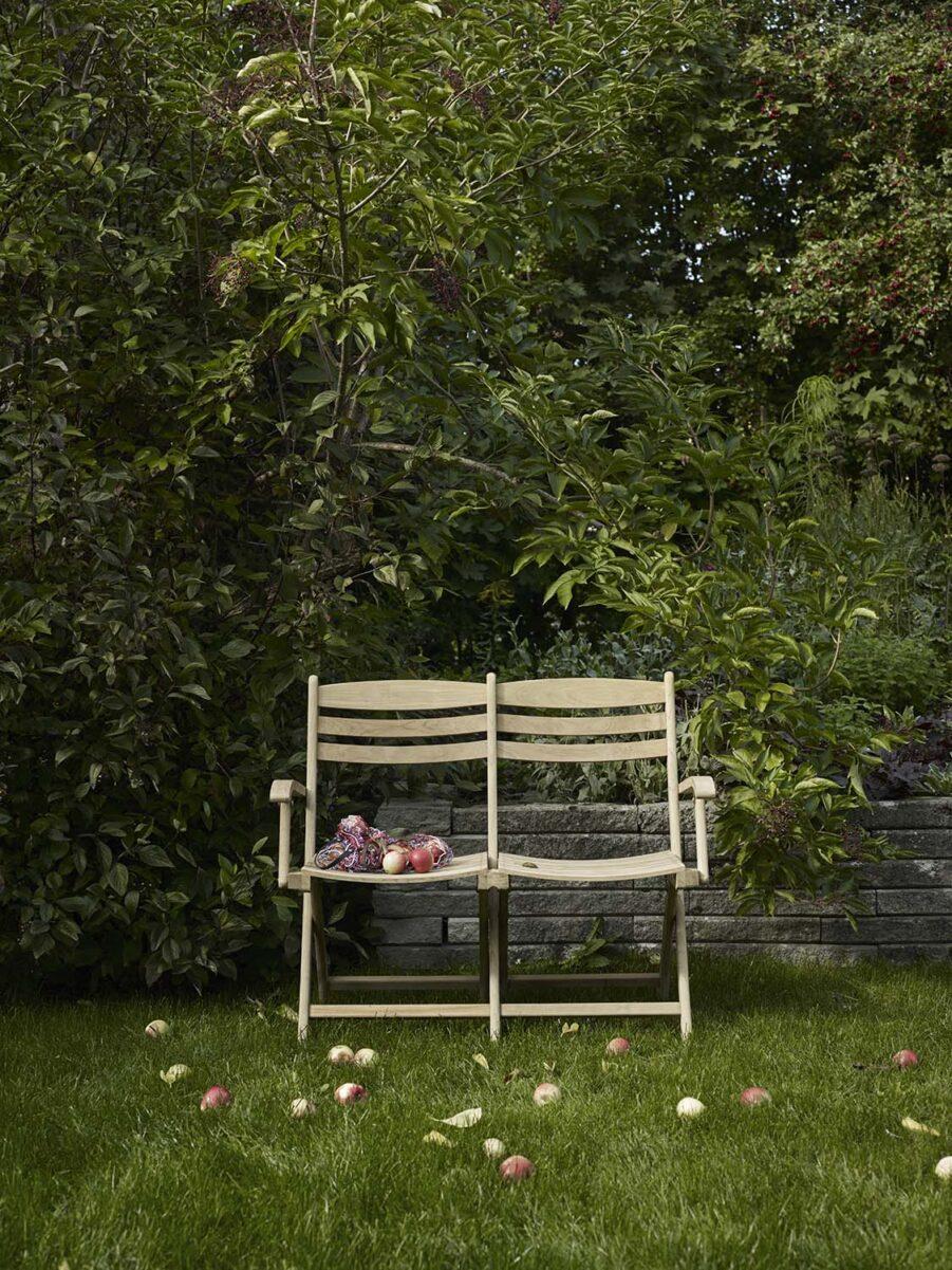 Miljöbild på Selandia soffan i teak från Skagerak.