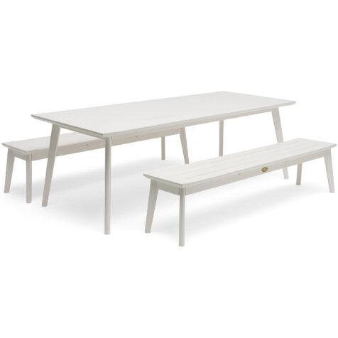 Grupp med Stoltö matbord och bänkar i vitt.