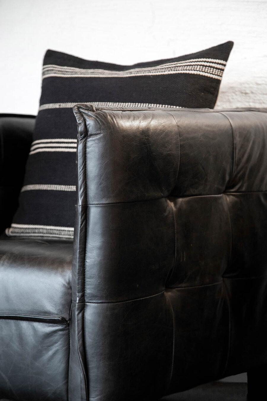 Artwood Millau fåtölj svart skinn