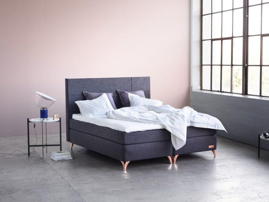Valö sänggavel i mörkgrått från Carpe Diem.
