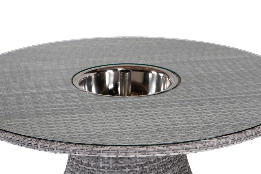 Detaljbild på Hastings bord Ø150 cm i pärlgrå konstrotting med dryckeskyl.