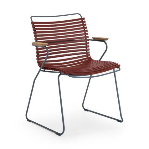 Click karmstol med låg rygg i färgen paprika.
