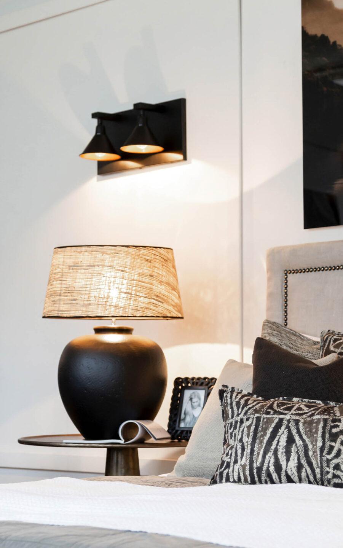 Miljöbild på Pasaden abordslampa från Artwood, här med lampskärmen Seminyak.