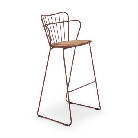 Paon barstol i färgen paprika från Houe.