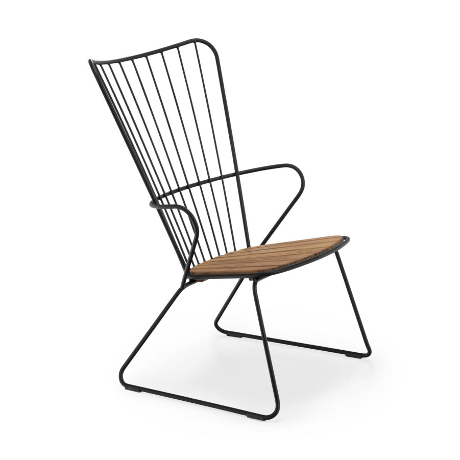 Paon lounge-stol i svart med sits i bambu.