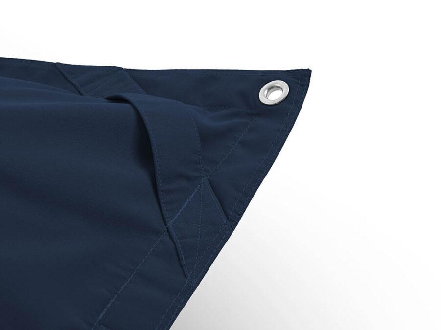 Närbild på Fatboys Floatzac i färgen Navy blue.