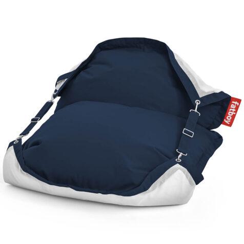 Produktbild på Fatboys Floatzac i färgen Navy blue.
