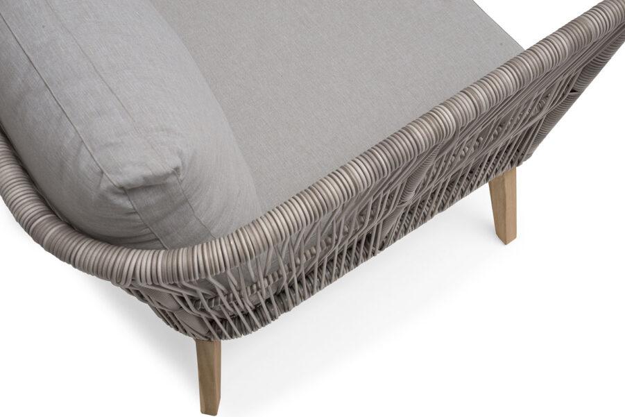 Detaljbild på Himmeslnäs soffa från hillerstorp.