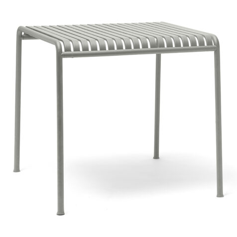 Palissade bord i färgen ljusgrå från HAY.