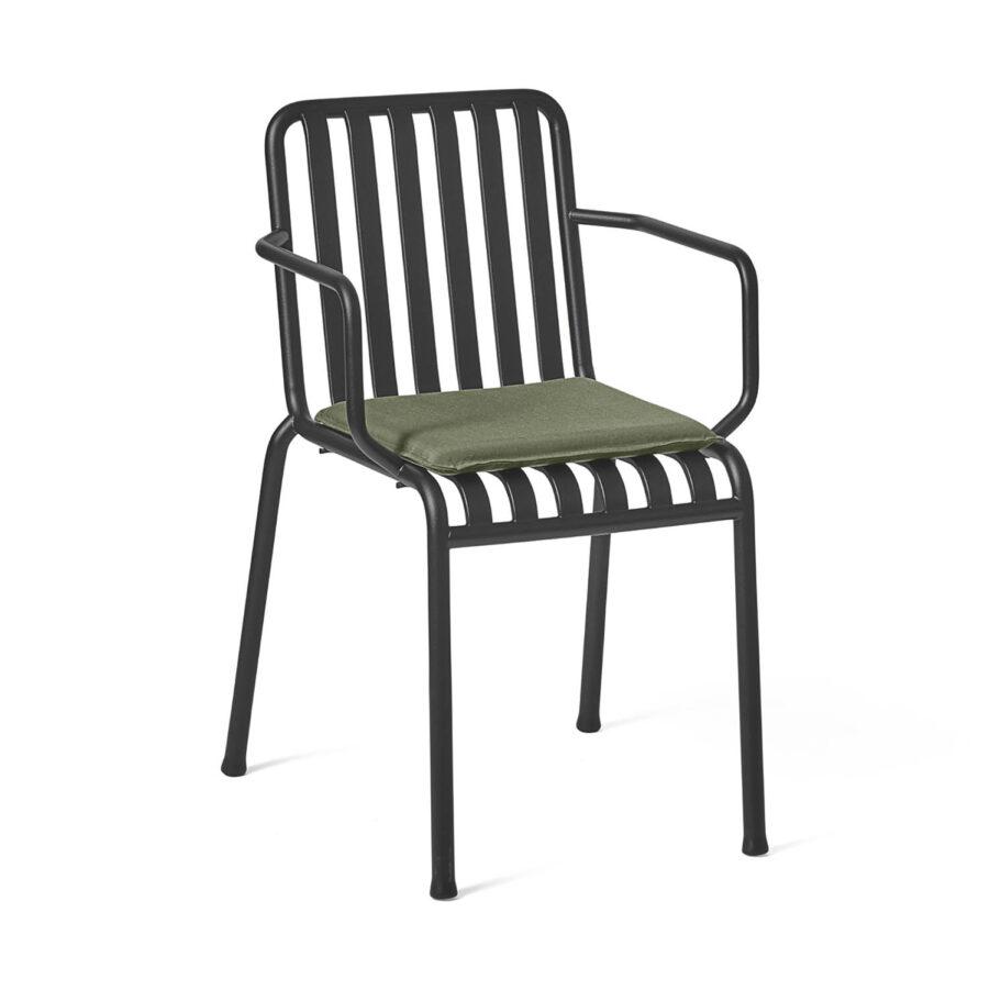 Palissade karmstol i antracitgrå pulverlackad stål med dyna i grön olefin.