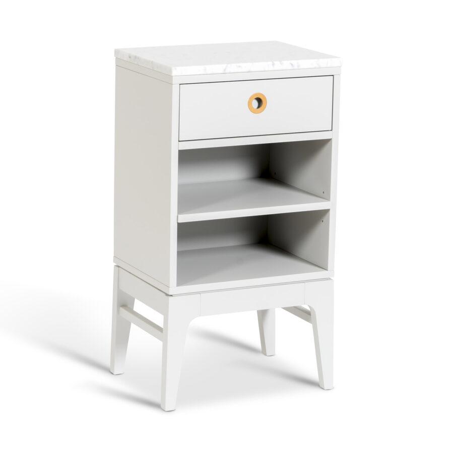 Sängbordet Höllviken från Mavis i ljudgrått med marmorskiva.