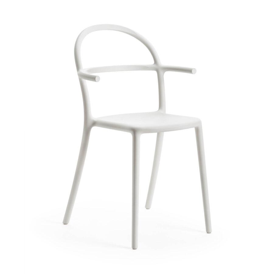 Generic C stol med armstöd i vit polypropylen från italienska Kartell.