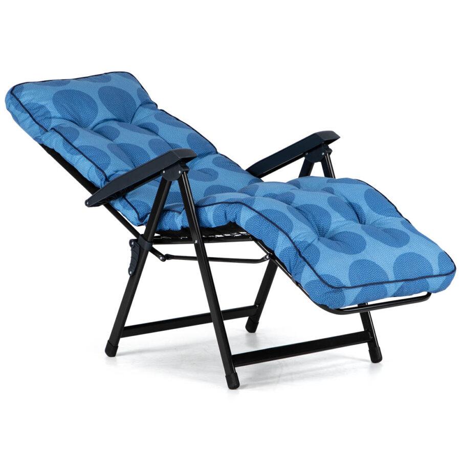 Bild på Baden baden vilstol med ljusblå prickig dyna.