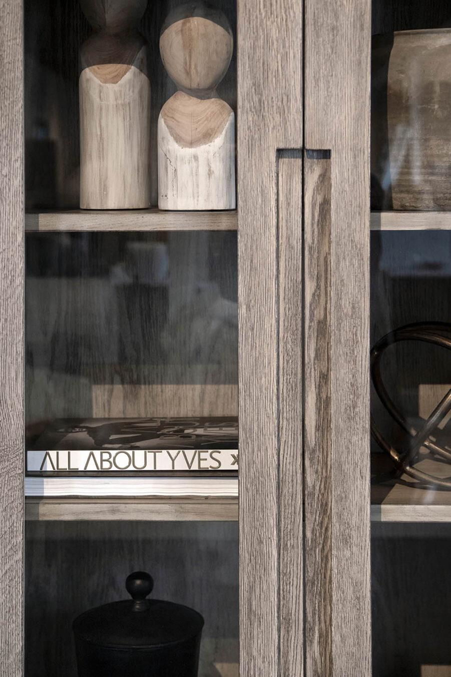 Artwood Hunter vitrinskåp antikgrå