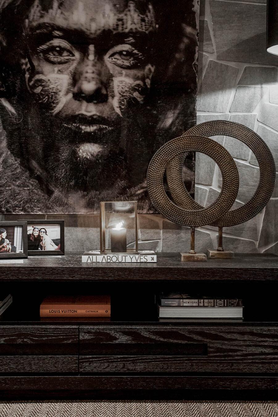 Miljöbild Hunter mediabänk, Anello dekoration från artwood